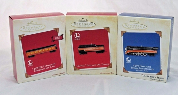 Picture of Hallmark S.P. Daylight Engine + Oil Tender & Observation Ornaments