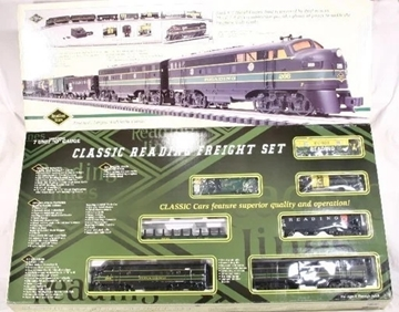 Picture of K-line Reading F-7 'AB' Freight Set